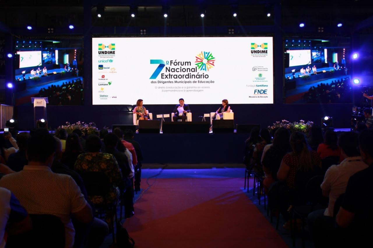 Presidente da Undime-PR participa do 7º Fórum Nacional Extraordinário de Educação