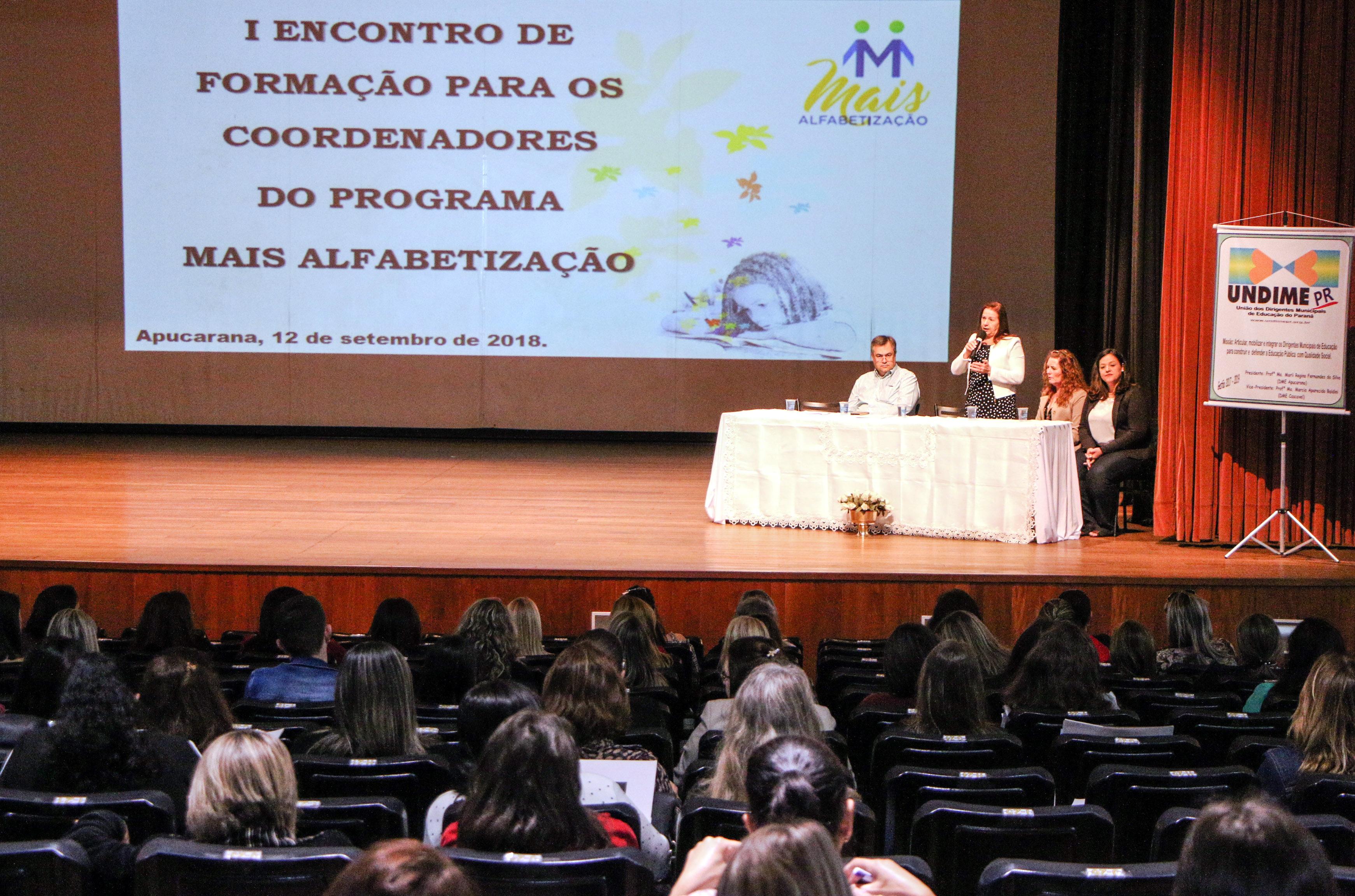 Encontro sobre o Programa Mais Alfabetização atrai educadores do todo o Paraná
