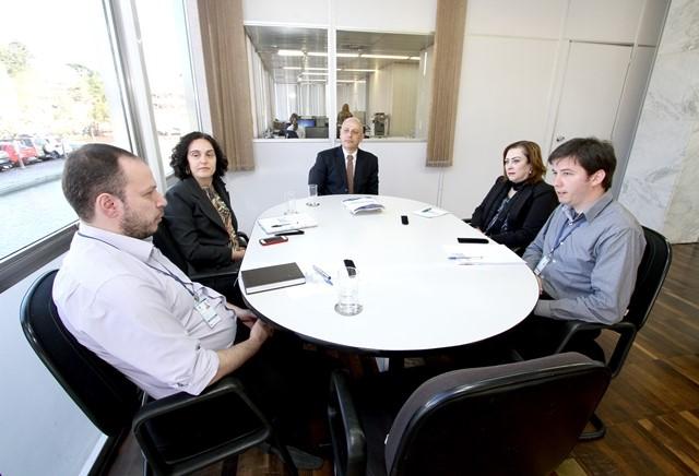 Tce Recebe Representante Dos Secretários Municipais De Educação Do Paraná
