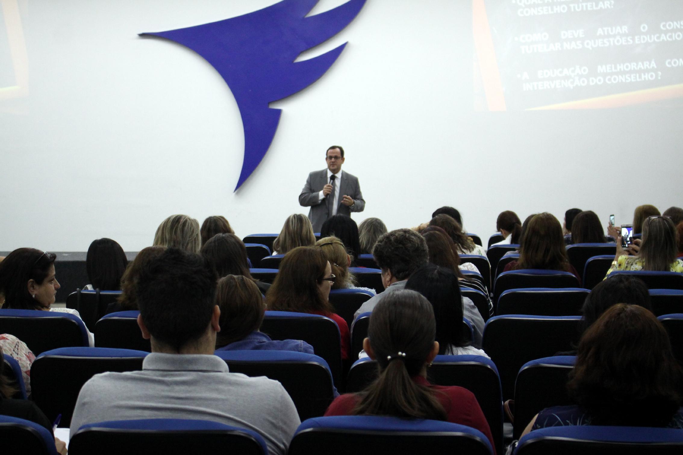 Undime-PR e AMUSEP promovem Seminário Regional de Educação