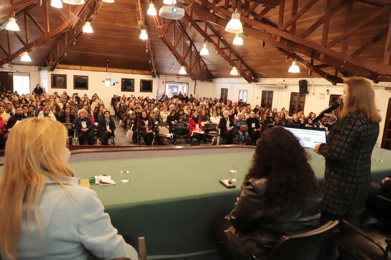 Undime-PR orienta municípios durante seminário estadual
